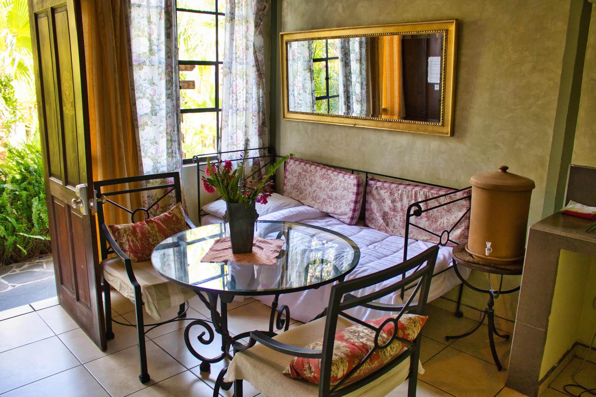 "<span  class=""uc_style_uc_tiles_grid_image_elementor_uc_items_attribute_title"" style=""color:#ffffff;"">Casa Lobo Bungalows - La Torre 2 - Sofa Bed</span>"