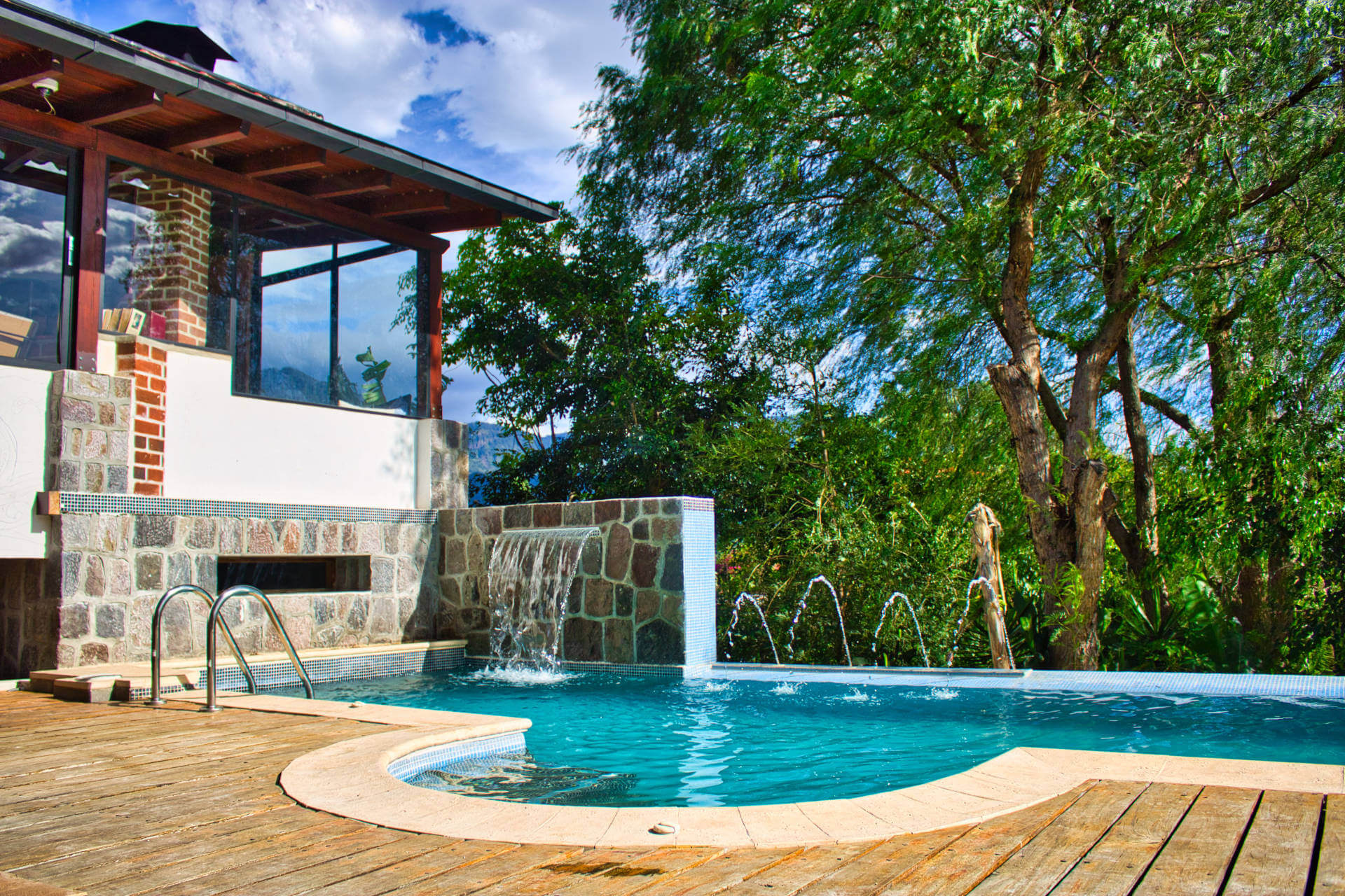 The Casa Lobo Bungalows infinity pool is located in San Pedro la Laguna at the Lake Atitlán in Guatemala.