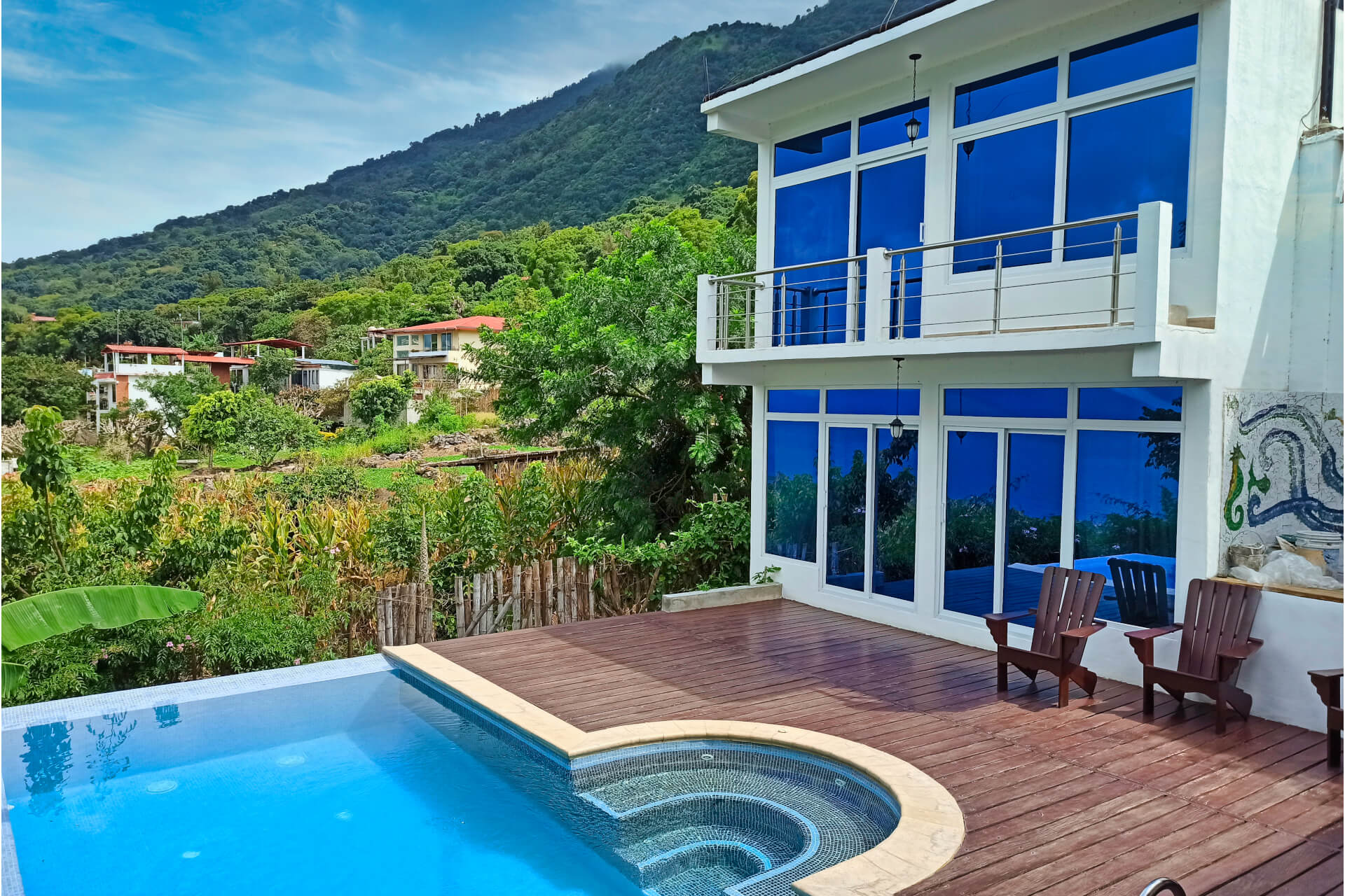 """<span  class=""""uc_style_uc_tiles_grid_image_elementor_uc_items_attribute_title"""" style=""""color:#ffffff;"""">Poolside Suite - Outside</span>"""